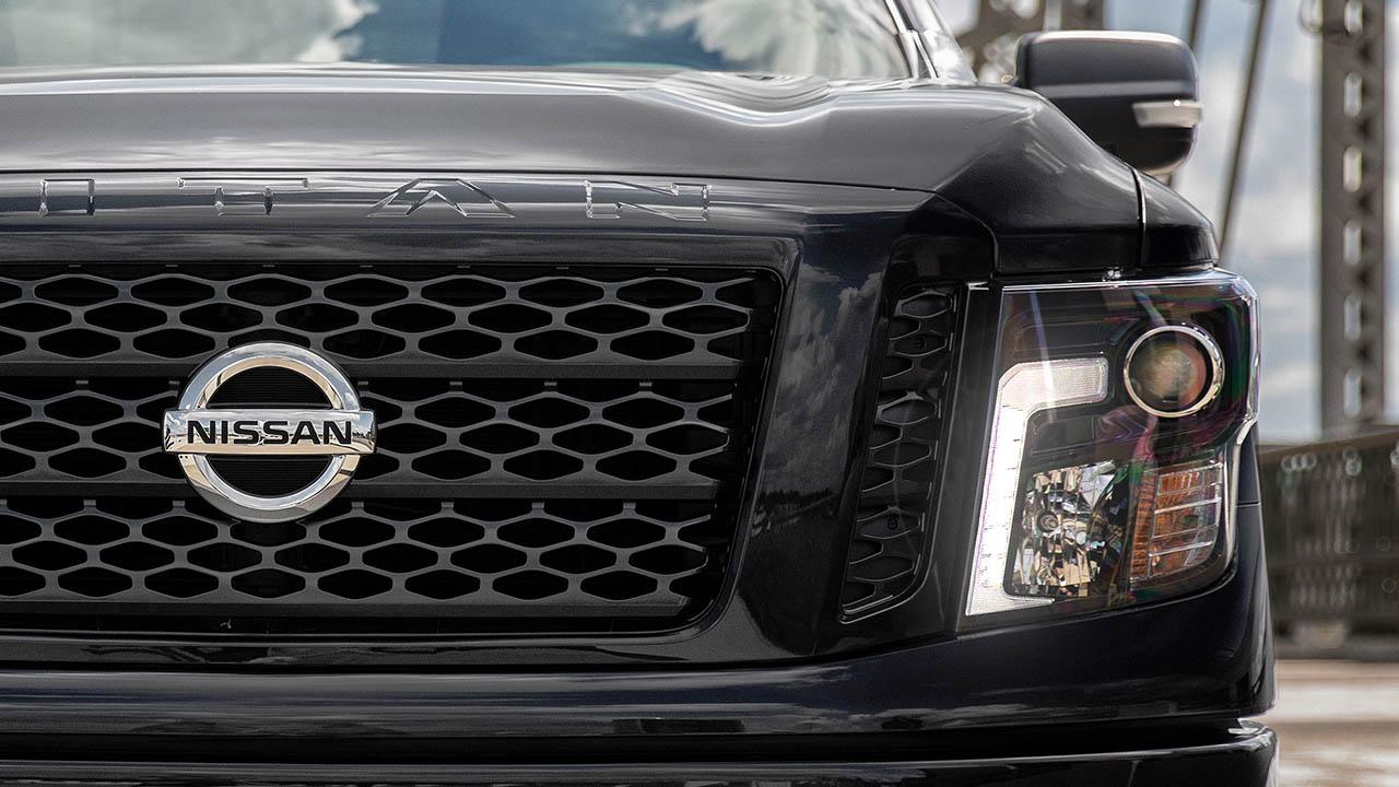 пикап Nissan Titan 2017 2018 фото вид фар