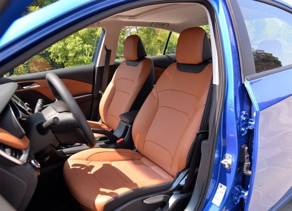 Chevrolet Cavalier передние сидения