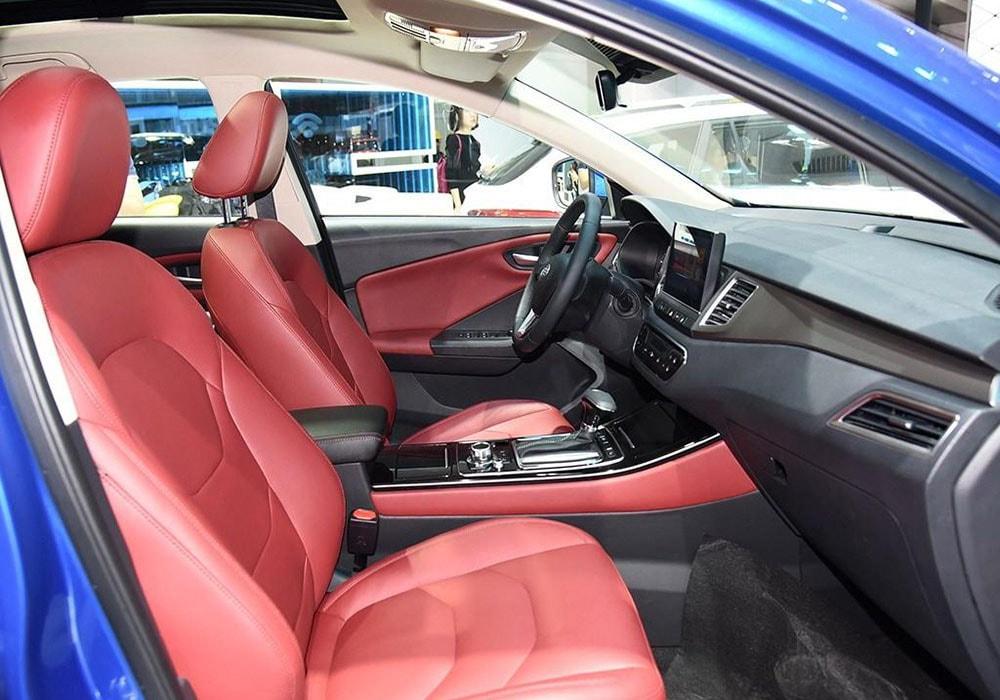 FAW Junpai D80 передние сидения