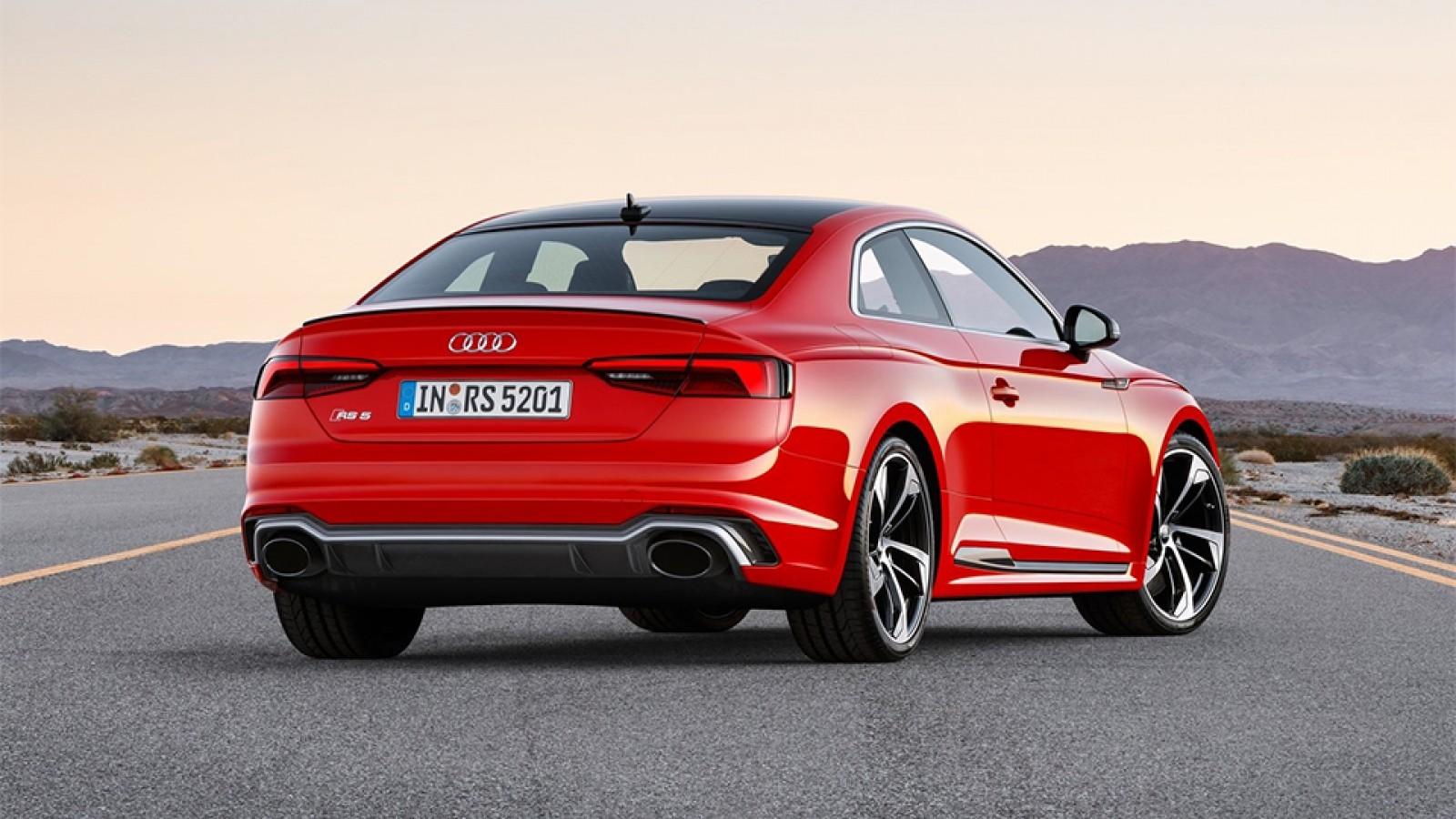 Audi RS5 вид сзади