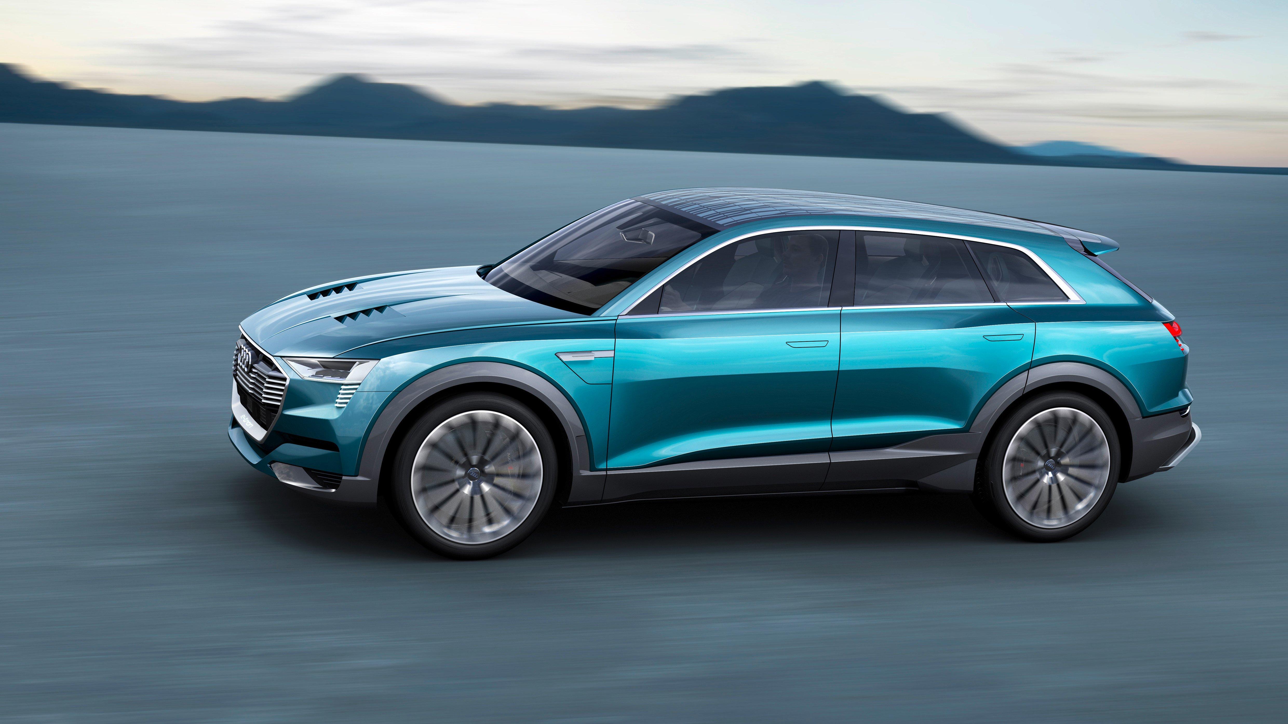 Audi e-tron Quattro вид сбоку