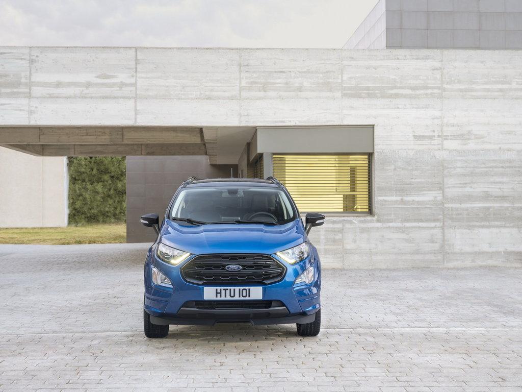 Ford EcoSport 2017 вид спереди