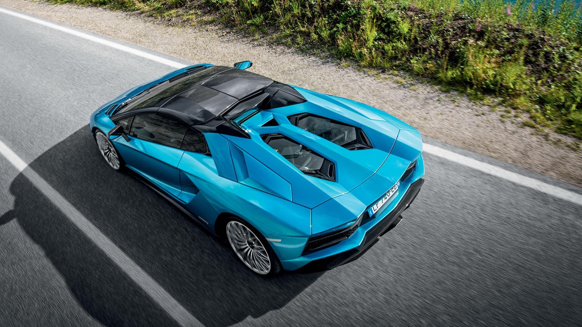 Lamborghini Aventador S Roadster сверху