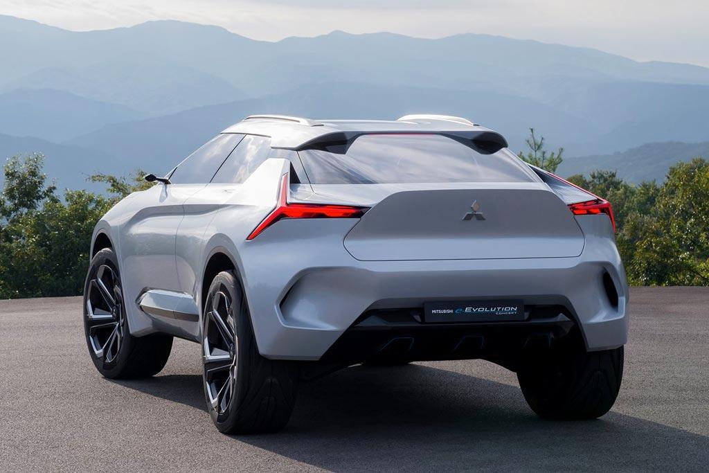 Mitsubishi e-Evolution вид сзади