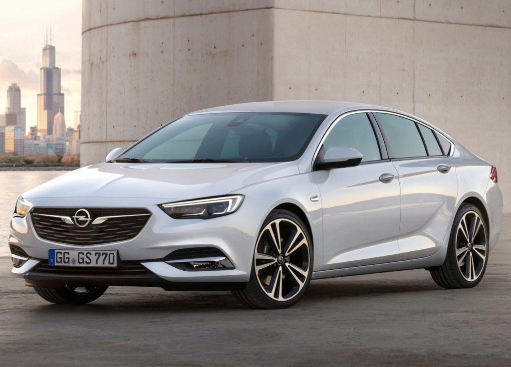 Opel Insignia 2017 фото сбоку