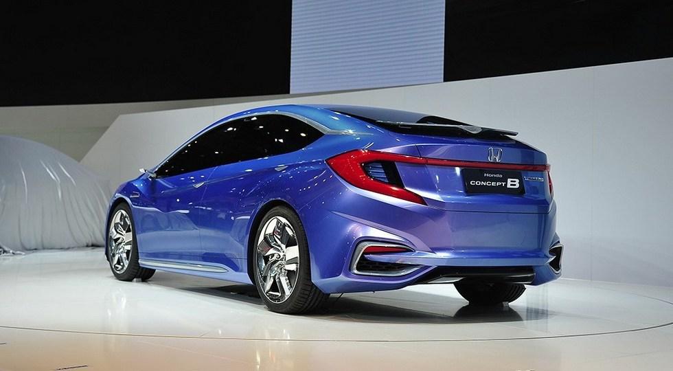 Honda Gienia вид сзади