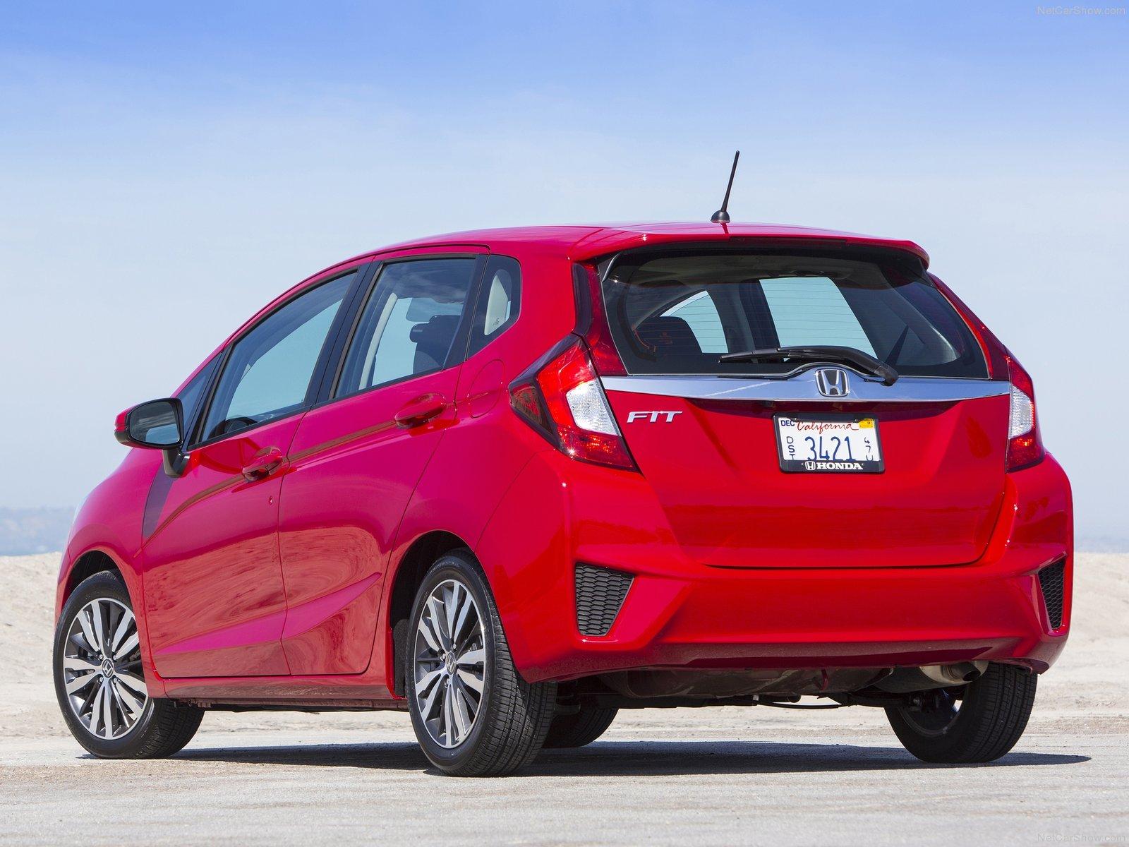 Honda Jazz вид сзади