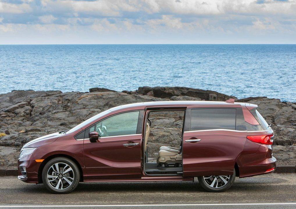 Honda Odyssey сбоку