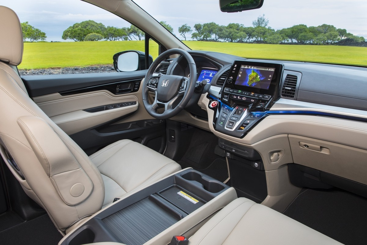 Honda Odyssey вид салон