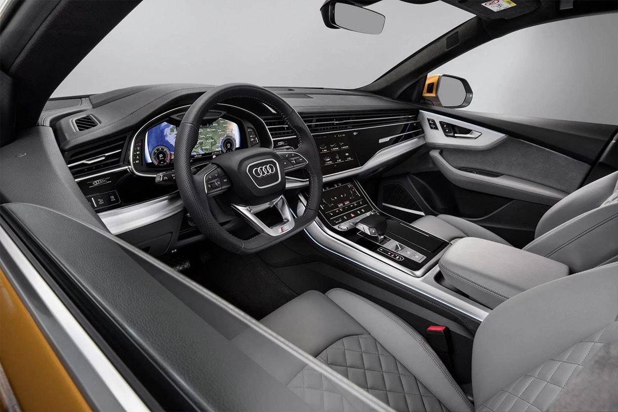 Audi Q8 передние сидения