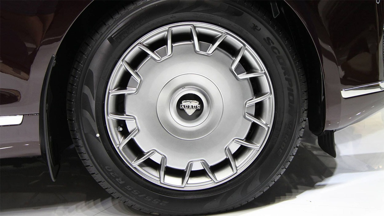 Aurus Senat колёса