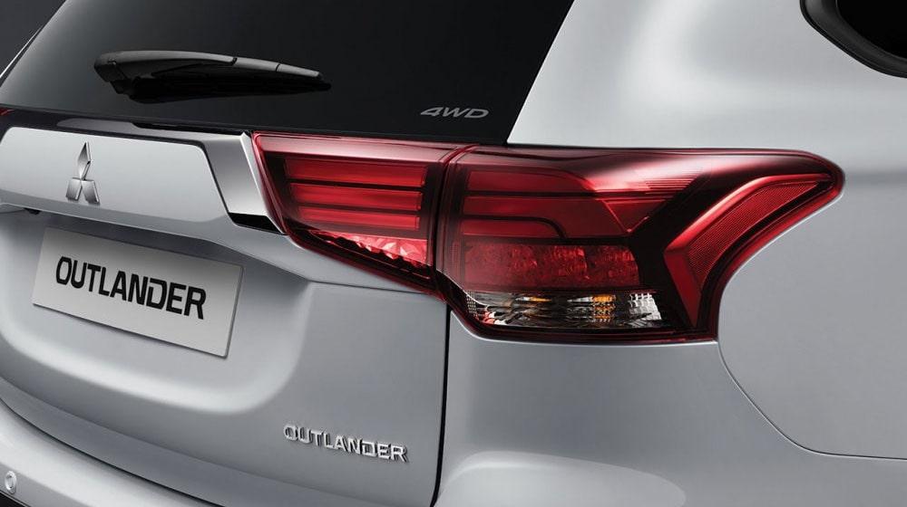 Mitsubishi Outlander задние фонари