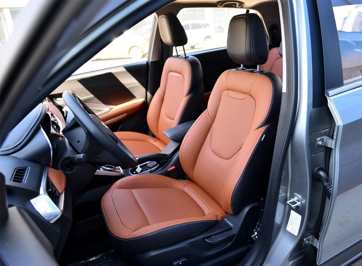 Baojun 510 передние сидения