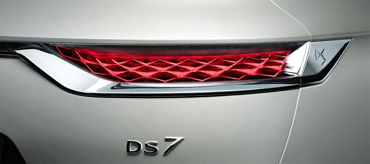 DS 7 Crossback E-Tense 4x4 задние фонари