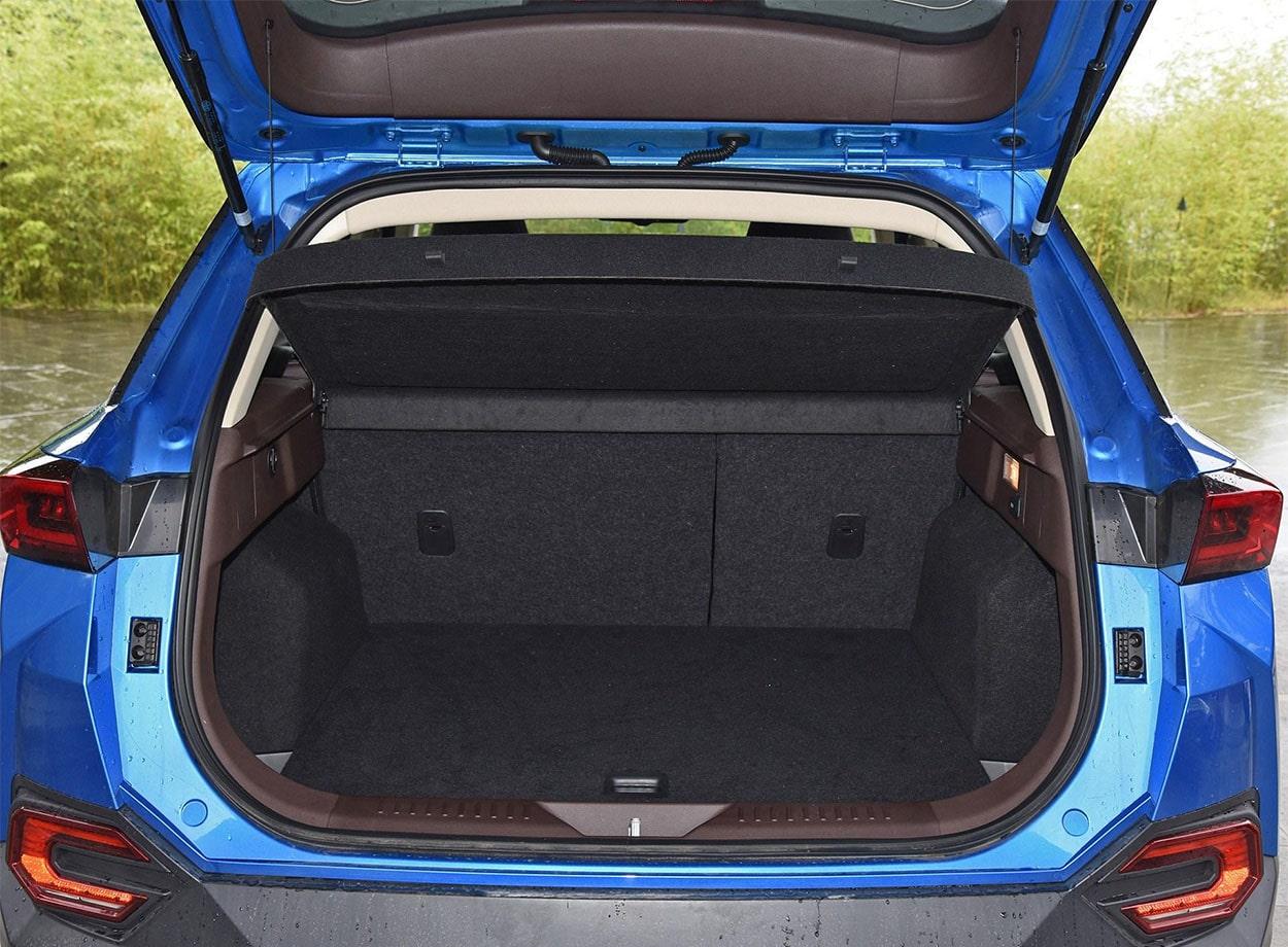 FAW Bestune T77 багажник