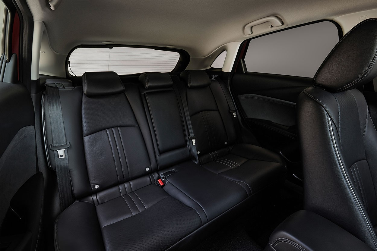 Mazda CX-3 задние сидения