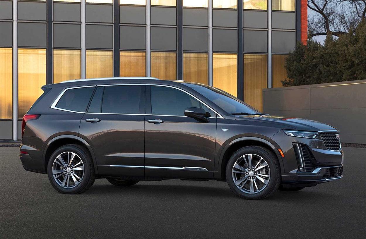 Cadillac XT6 фото вид сбоку