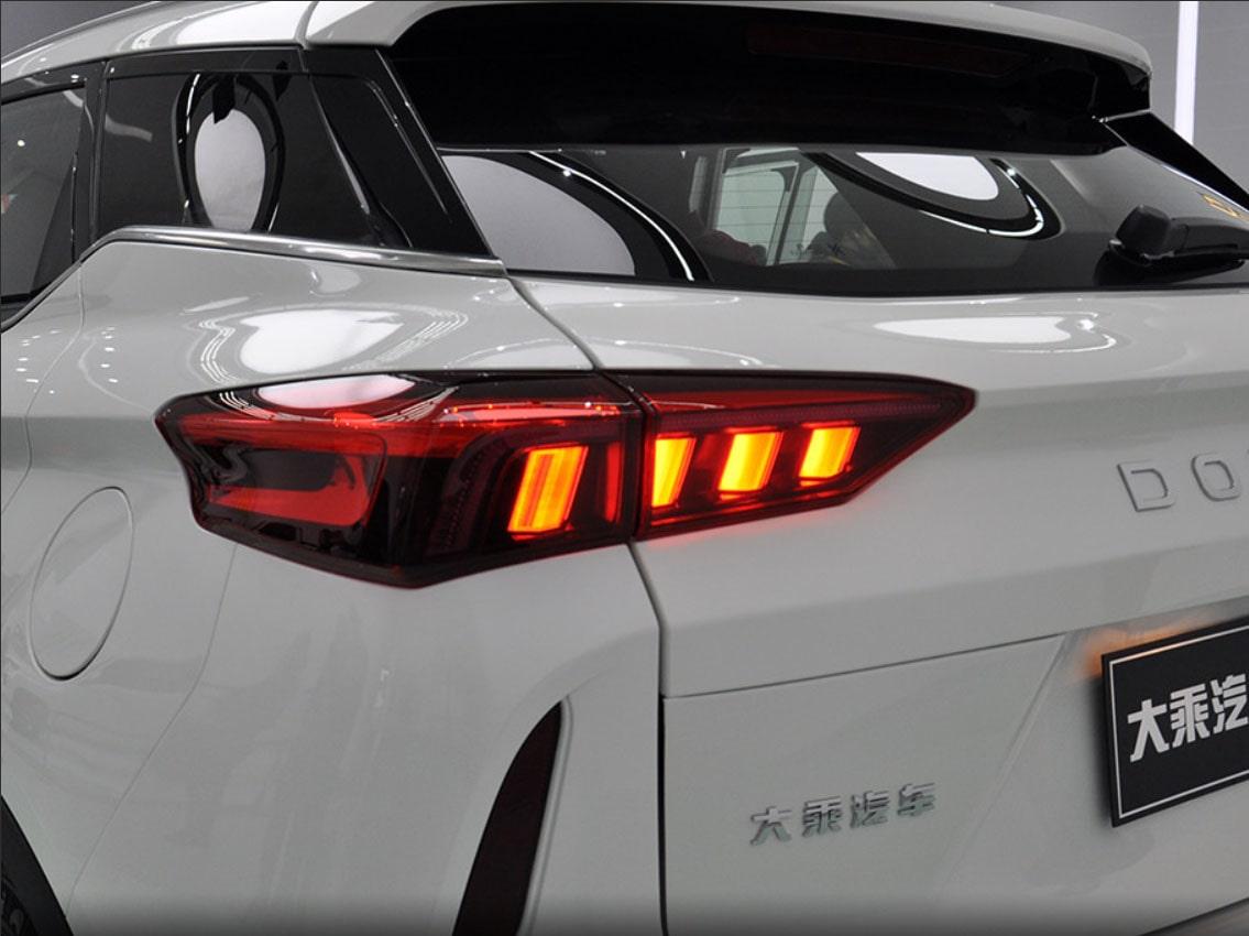 Dorcen G60S фонари