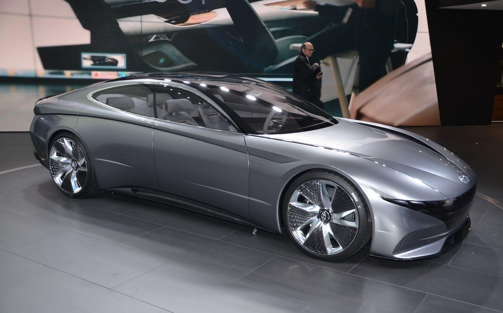 Hyundai  Le Fil вид сбоку