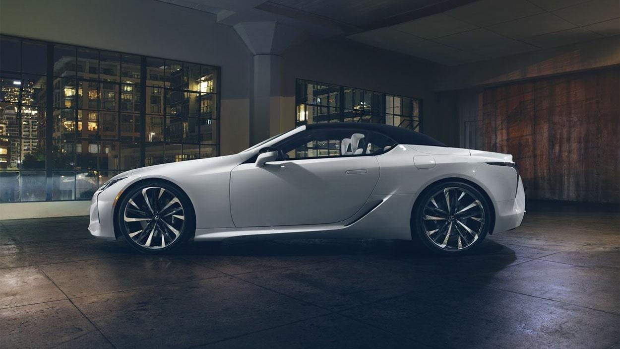 Lexus LC Convertible фото сбоку