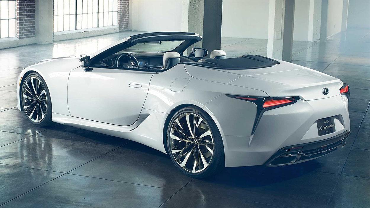 Lexus LC Convertible фото сзади