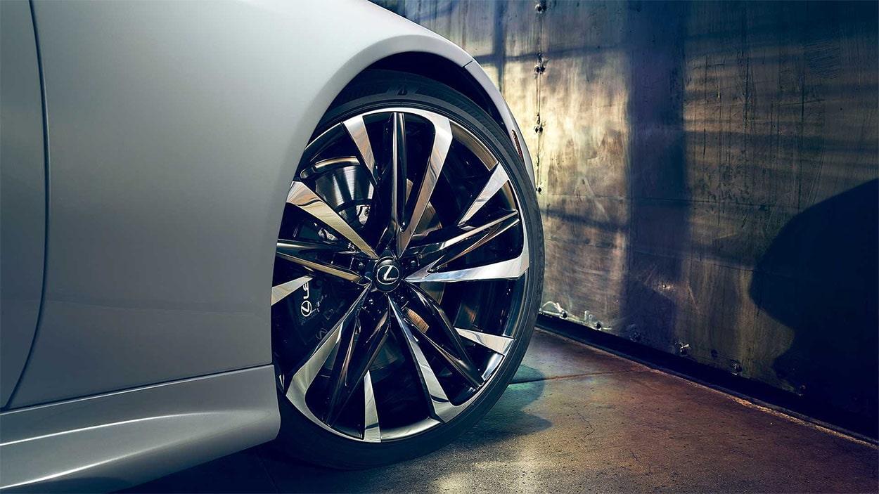 Lexus LC Convertible колёса