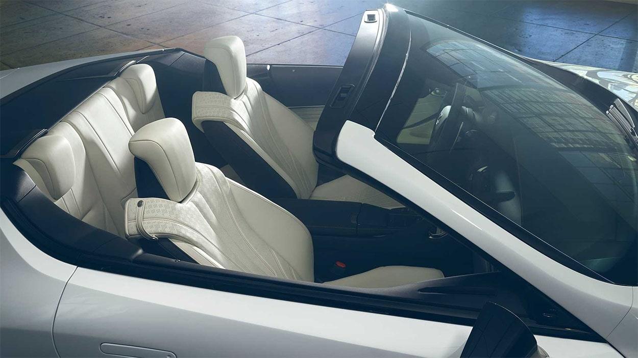 Lexus LC Convertible салон