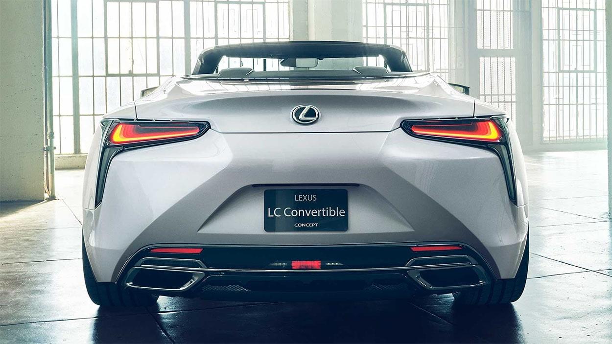Lexus LC Convertible вид бампер