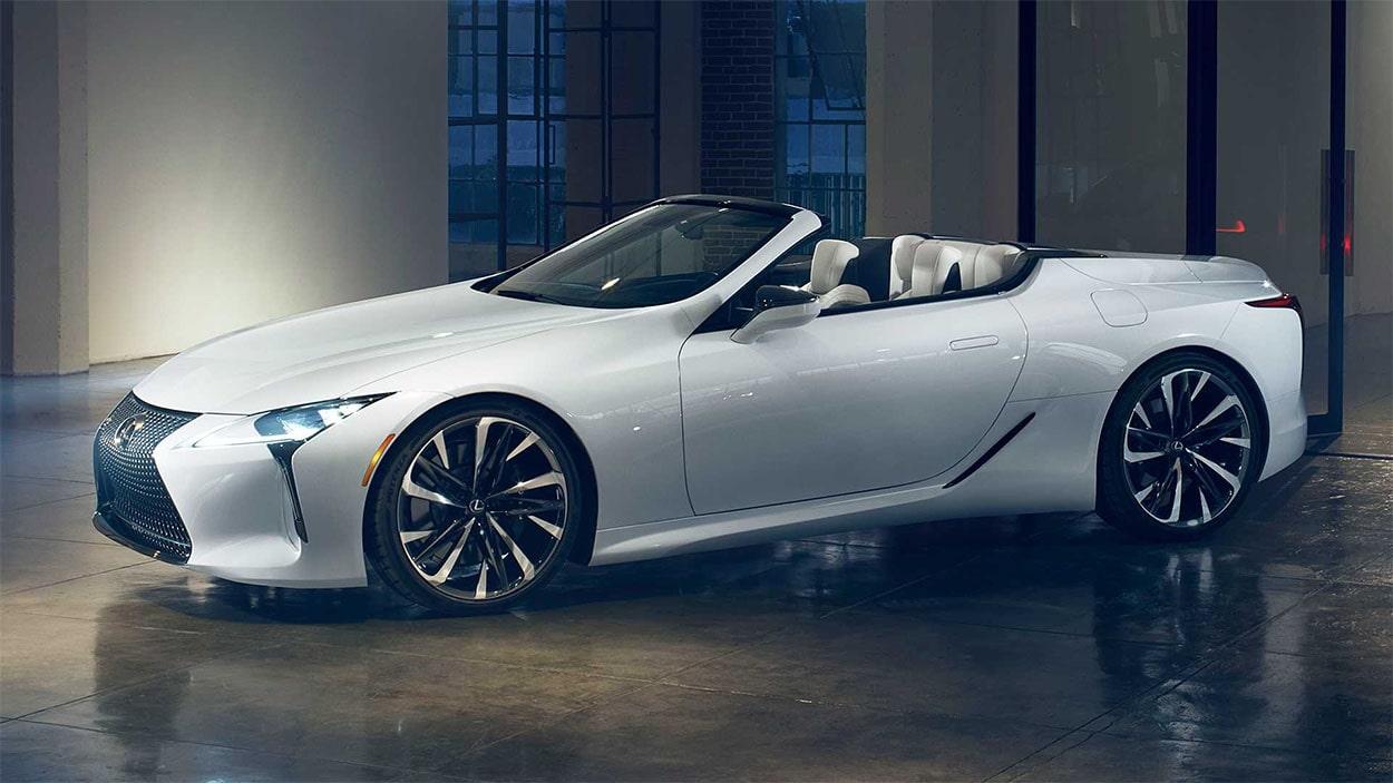 Lexus LC Convertible вид сбоку
