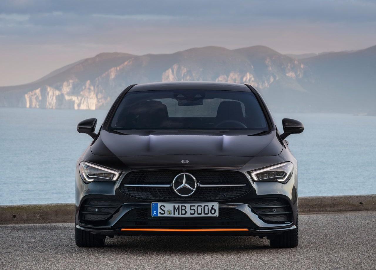 Mercedes-Benz CLA фото спереди
