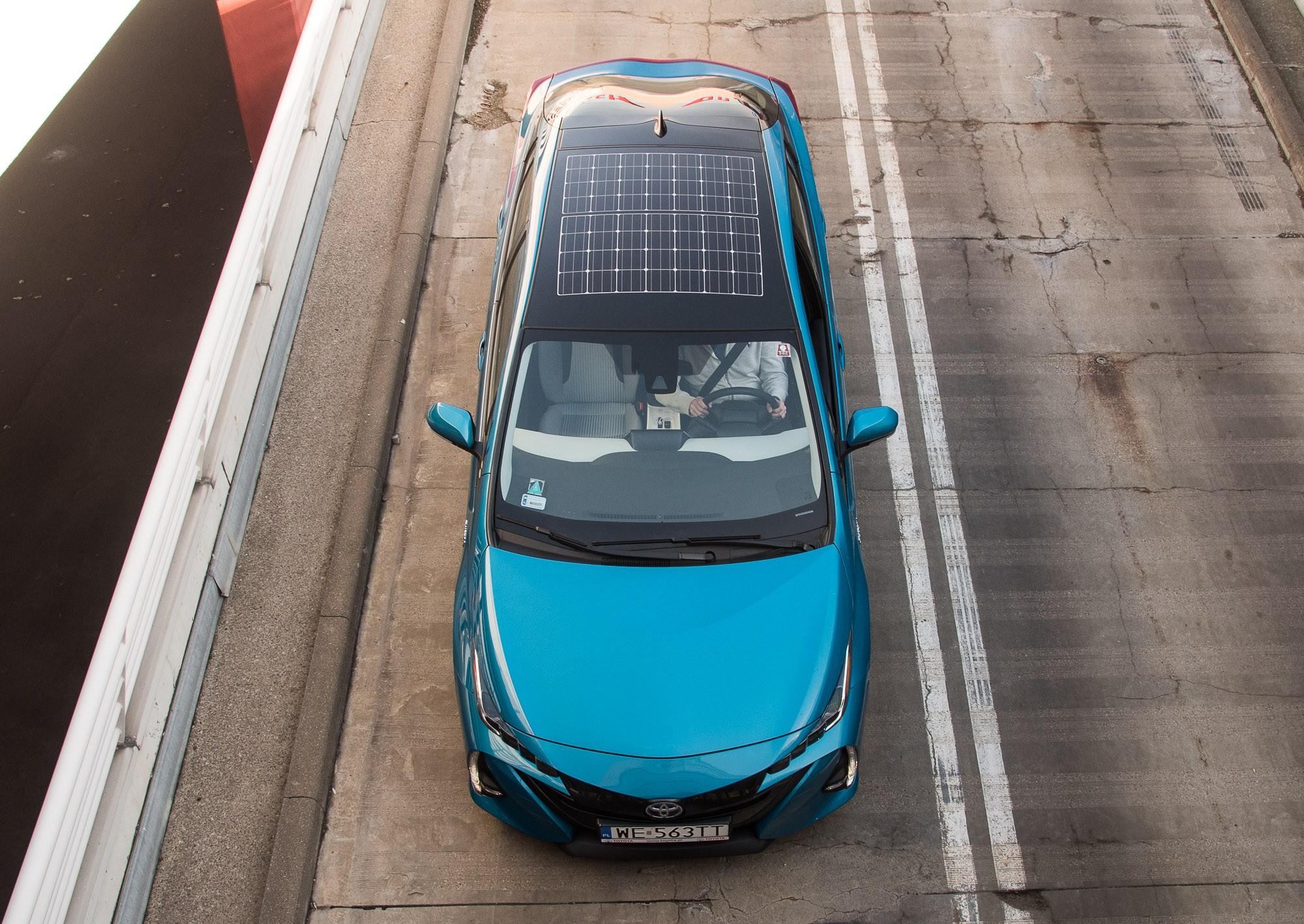 Toyota Prius Plug-in крыша