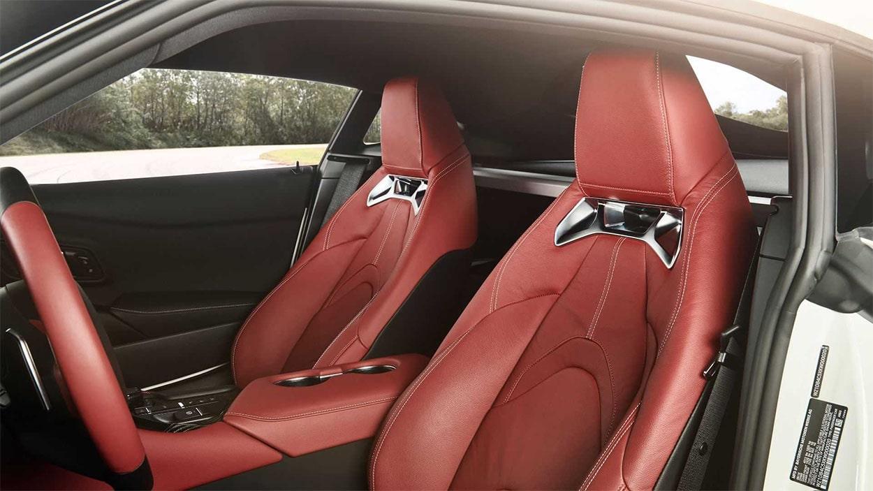 Toyota Supra передние сидения