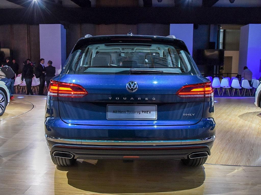 Volkswagen Touareg Phev вид сзади