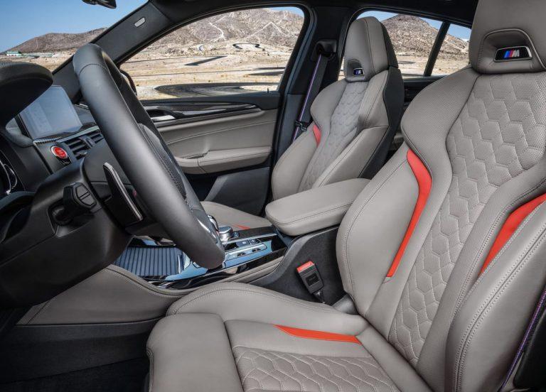 BMW X3 M и BMW X4 M вид передние сидения