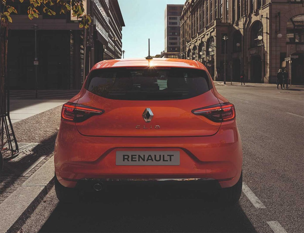 Renault Clio фото сзади