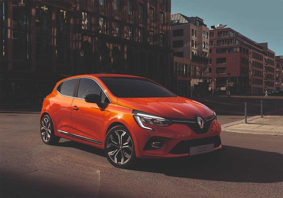Renault Clio вид сбоку