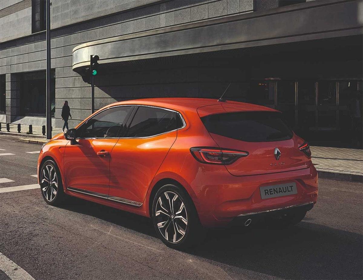 Renault Clio вид сзади