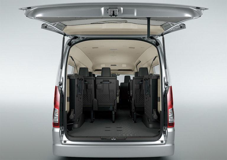 Toyota Hiace багажник грузопассажирский