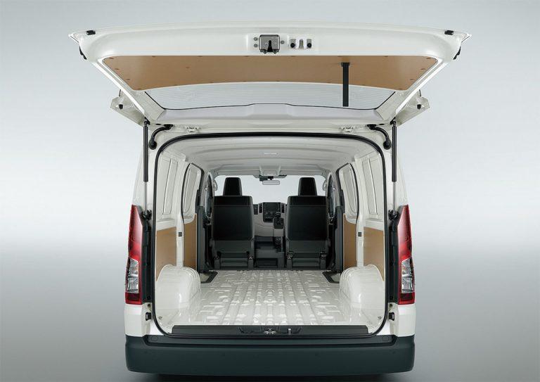 Toyota Hiace багажник