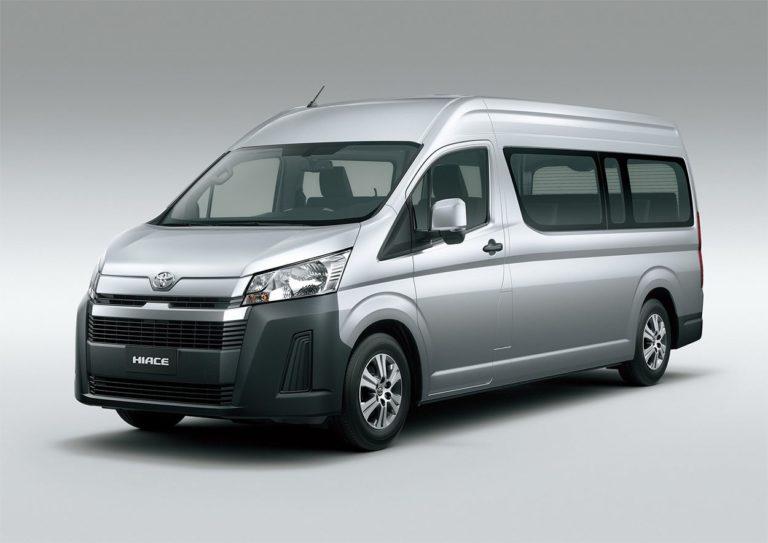 Toyota Hiace фото сбоку