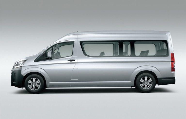 Toyota Hiace фото вид сбоку