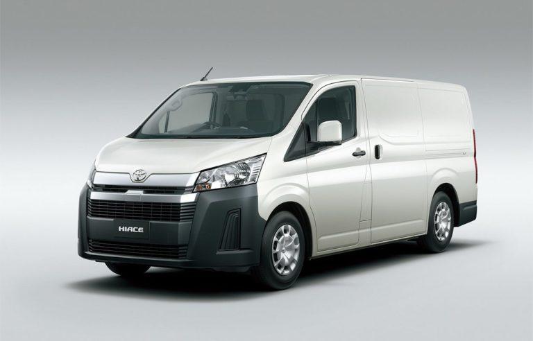 Toyota Hiace фото вид спереди