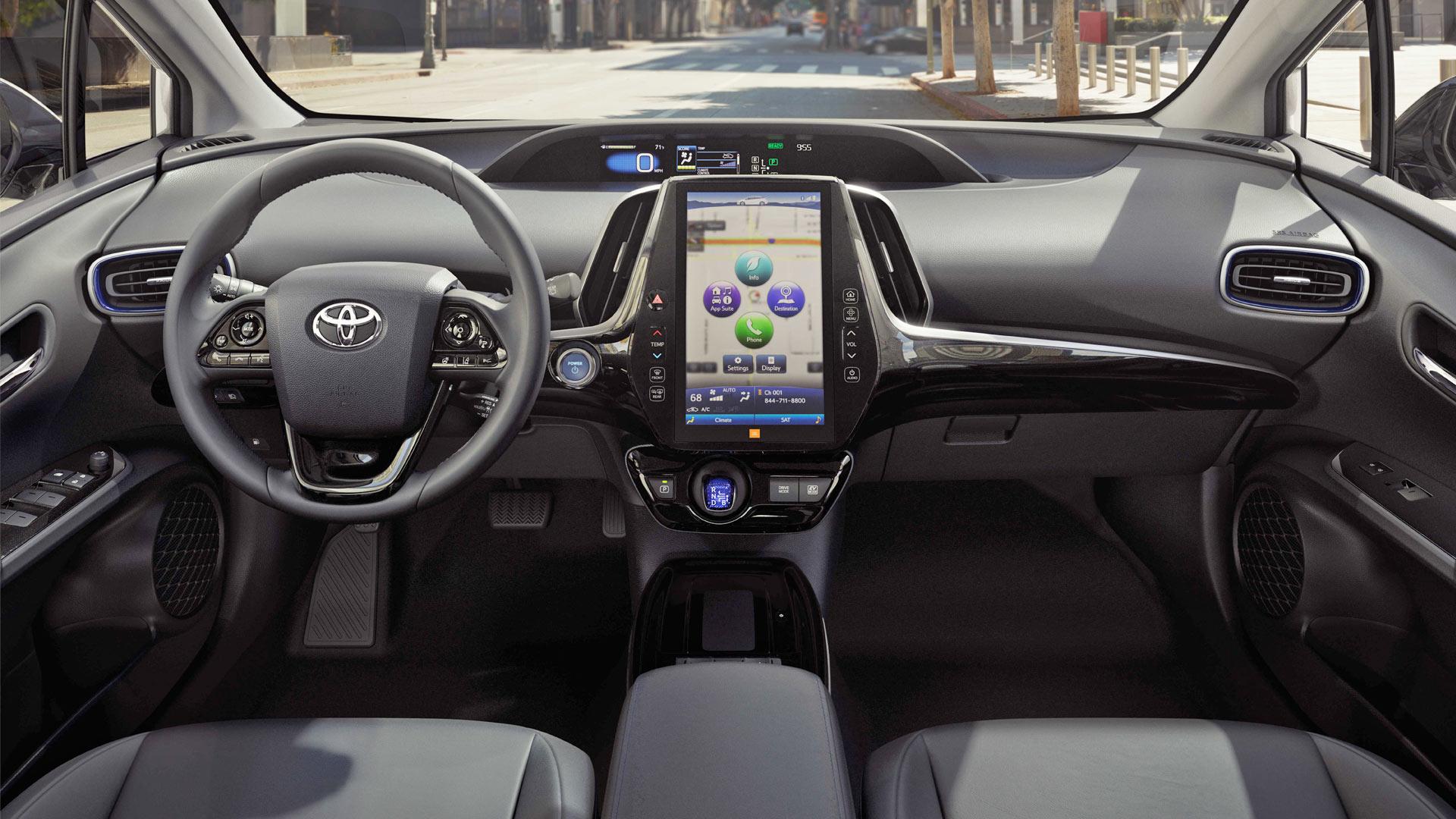 Toyota Prius салон