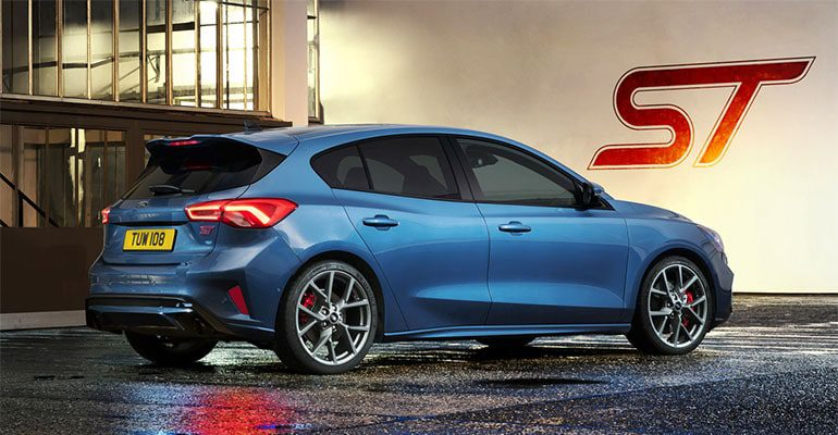 Ford Focus ST фото сзади