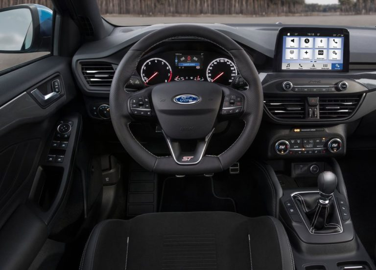 Ford Focus ST салон