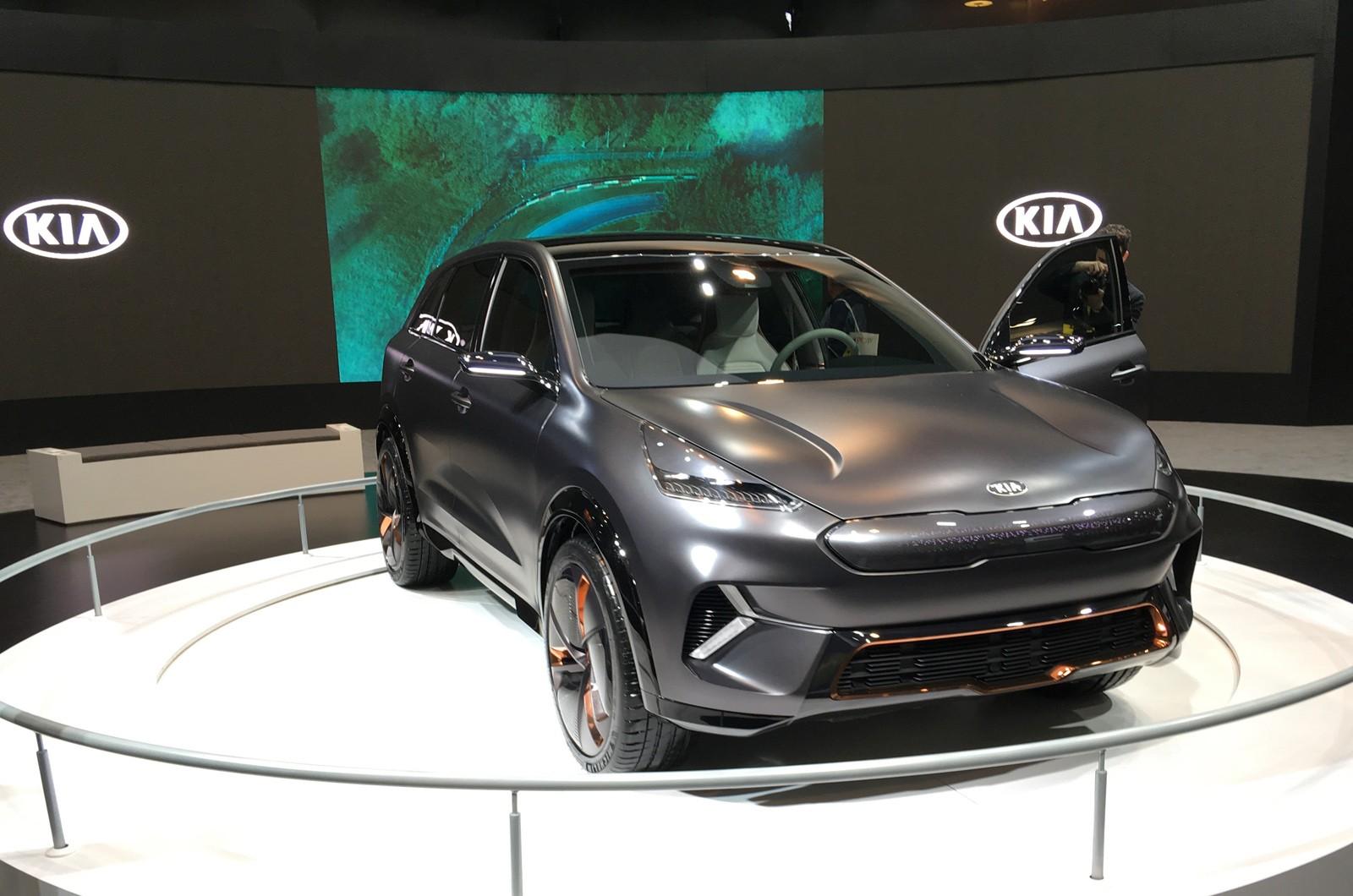 Kia Niro EV фото вид спереди