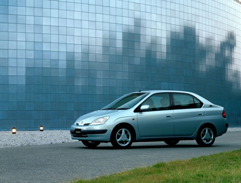 Первая Toyota Prius дебютировала в 1997 году