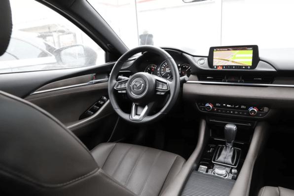 Внутри автомобиля