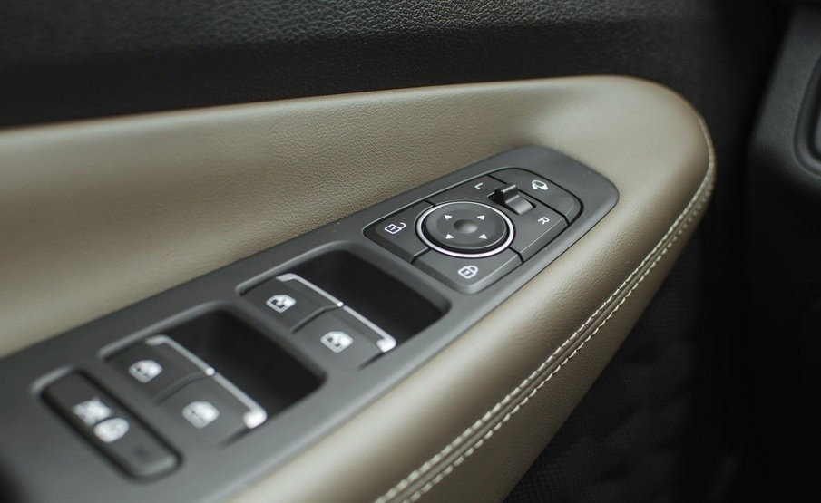 Hyundai Santa Fe 2.0 детали салона