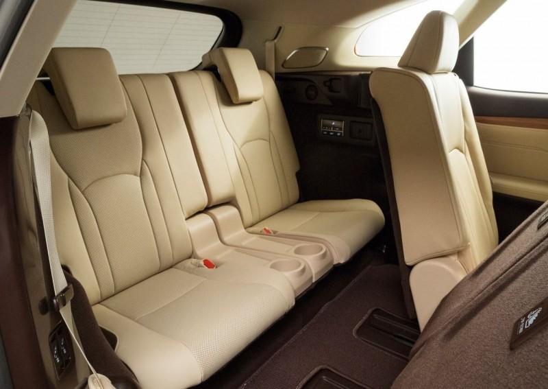 Lexus RXL салон
